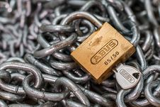 Free Padlock And Steel Chain Stock Images - 82963634