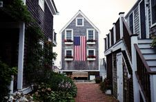 Free American Clapboard Houses Stock Photography - 82963662
