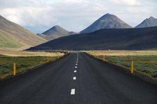 Free Open Road To Mountains Stock Photo - 82963940