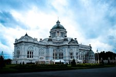 Free Ananta Samakhom Throne Hall Royalty Free Stock Photo - 82964135