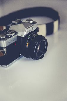 Free Black And Gray Minolta Dslr Camera Royalty Free Stock Photography - 82976087