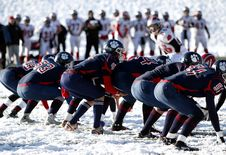 Free Football Team On Ice During Daytime Royalty Free Stock Photo - 82976695