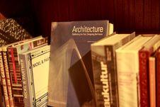 Free Architecture Hardback Book On Shelf Stock Photos - 82977963