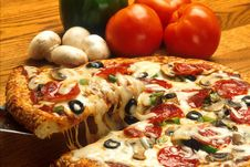 Free Pizza Pie With Fresh Ingredients Royalty Free Stock Photography - 82978117