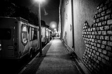 Free Urban Street In Black And White Royalty Free Stock Photo - 82978195