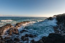 Free Waves Hitting On Rocks Under Blue Sky Royalty Free Stock Photos - 82978488
