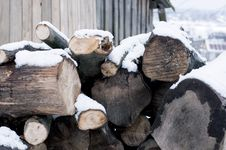 Free Firewood In Winter Season Royalty Free Stock Images - 82978519