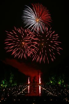 Free Red And White Fireworks Scattered During Nighttime Royalty Free Stock Photography - 82978557