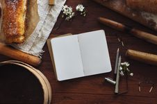 Free Blank Book On Table Stock Photography - 82978642
