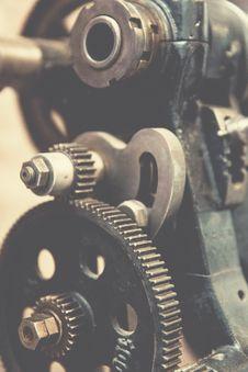 Free Cogwheels On Machine Royalty Free Stock Images - 82978809