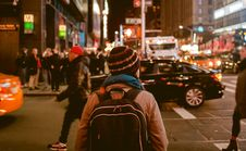 Free Urban Street Scene At Night Royalty Free Stock Photos - 82979478