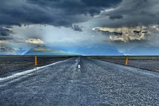 Free Grey Concrete Road Under Grey Sky Royalty Free Stock Photo - 82979665