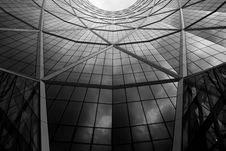 Free Curved Glass Building Exterior Royalty Free Stock Images - 82980719