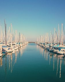 Free Sailboats In Harbor Stock Images - 82981294