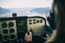 Free Pilot In Airplane Cockpit Royalty Free Stock Photos - 82981348
