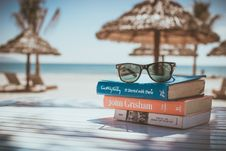 Free Summer Holiday Accessories Stock Images - 82982734