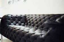 Free Luxurious Leather Couch Stock Photo - 82983610