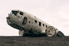Free Abandoned Wreck Of Crashed Aircraft Stock Photo - 82983620