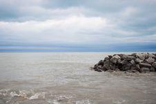 Free Rocky Coastline With Waves Stock Photos - 82984473