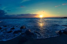 Free Sunset Over Ocean Waves Royalty Free Stock Photography - 82986177