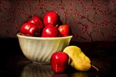 Free Bowl Of Red Apples Stock Image - 82986391