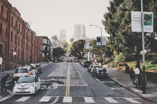 Free Grey Concrete Road And Pedestrian Lane Royalty Free Stock Image - 82986526