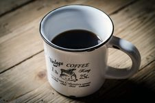 Free Cup Of Black Coffee On Table Royalty Free Stock Image - 82986826