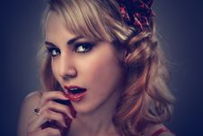 Free Glamor Portrait Of Blonde Woman Royalty Free Stock Photography - 82987127