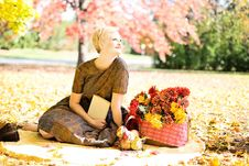 Free Woman In Autumn Park Royalty Free Stock Images - 82987679