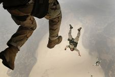 Free Paratroopers Jumping Stock Photos - 82987733