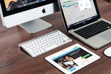 Free Desk Top, Laptop Computers And IPad Royalty Free Stock Photos - 82988048