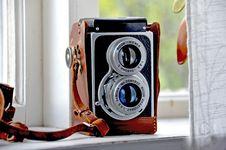 Free Vintage Twin Lens Reflex Camera Stock Photography - 82988252
