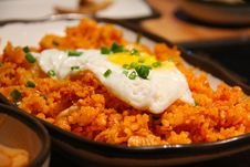 Free White And Yellow Sunny Side Up Egg On Fried Rice Stock Photography - 82988682