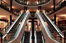 Free Mall Escalators And Atrium Stock Photography - 82989162