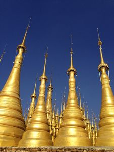 Free Gold Pagodas, Myanmar Royalty Free Stock Photos - 82989678