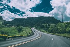 Free Country Road Through Field Royalty Free Stock Image - 82989716