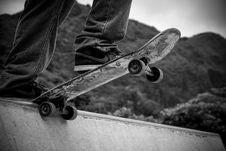 Free Skateboard On Ramp Royalty Free Stock Images - 82989909
