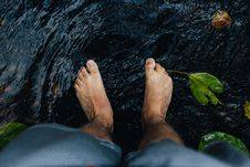 Free Feet In Water Stock Image - 82990261