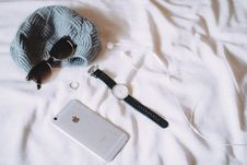 Free Watch, Sunglasses And Iphone Royalty Free Stock Images - 82990469