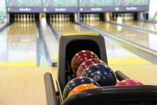 Free Shiny Bowling Balls Stock Photo - 82990960