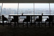 Free Empty Table In Skyscraper Royalty Free Stock Photos - 82992388