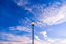 Free Streetlamp Against Blue Skies Royalty Free Stock Photography - 82992427