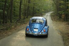 Free Blue Classic Volkswagen Beetle Royalty Free Stock Image - 82992766