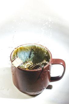 Free Tea Bag Splashing In Cup Royalty Free Stock Photos - 82993048