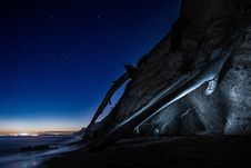 Free Cliff At Night With Starry Skies Royalty Free Stock Photo - 82993225