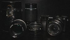Free Black Sony Dslr Camera And Lens Stock Photo - 82993320