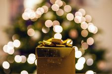 Free Golden Gift Royalty Free Stock Image - 82993396