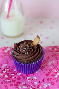 Free Chocolate Cupcake Royalty Free Stock Photography - 82993907