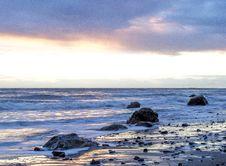 Free Waves On Rocky Beach Stock Photo - 82994810