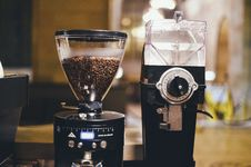 Free Coffee Beans And Grinder Royalty Free Stock Photography - 82995157